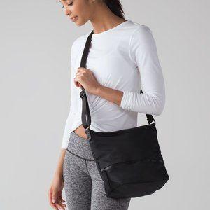 LOOKING for GO Lightly Shoulder Bag (Black)